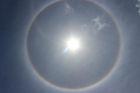 №193 空を彩る虹色現象 ハロ